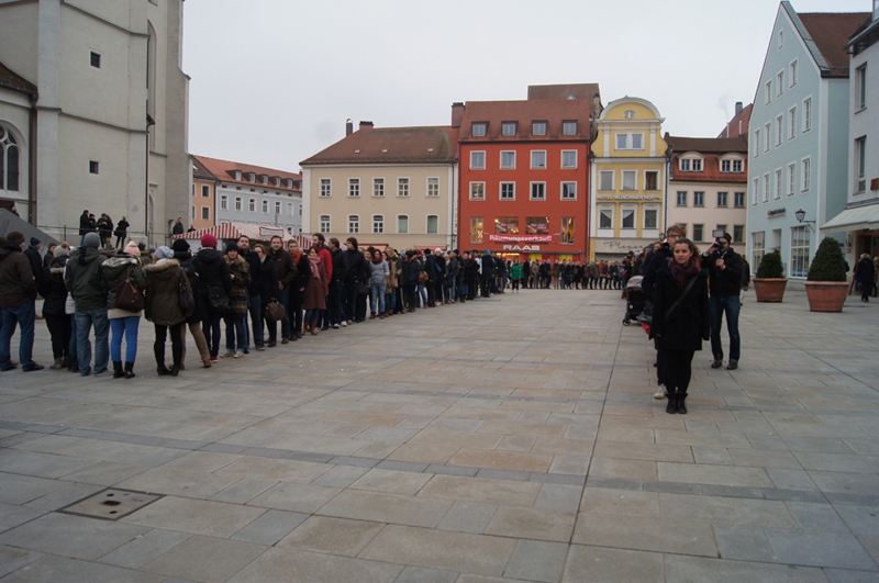Fast 300 Teilnehmer wollen auf die Lage der Referendare in Bayern aufmerksam machen