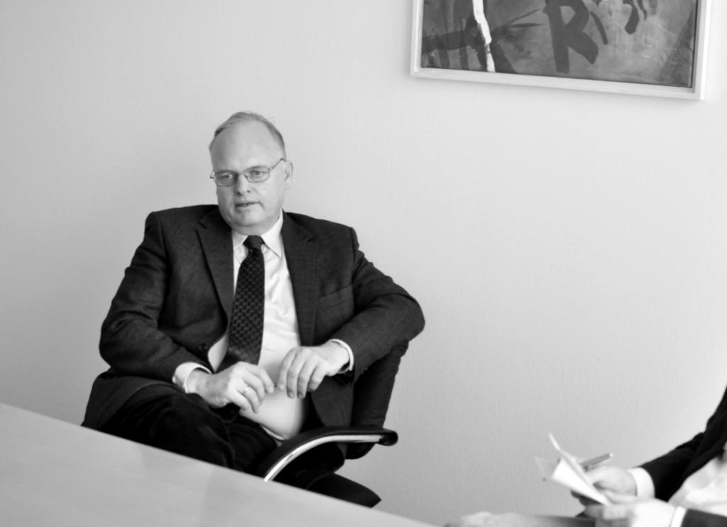»Eine Dauerbeschäftigung der Lehrbeauftragten können wir nicht garantieren«, sagt der Kanzler Christian Blomeyer / Foto: Pia Weishäupl