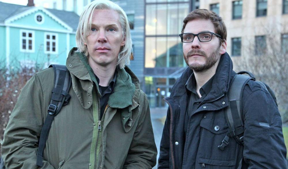 """Benedict Cumberbatch als Julian Assange und Daniel Brühl als Daniel Berg in """"Inside WikiLeaks"""""""