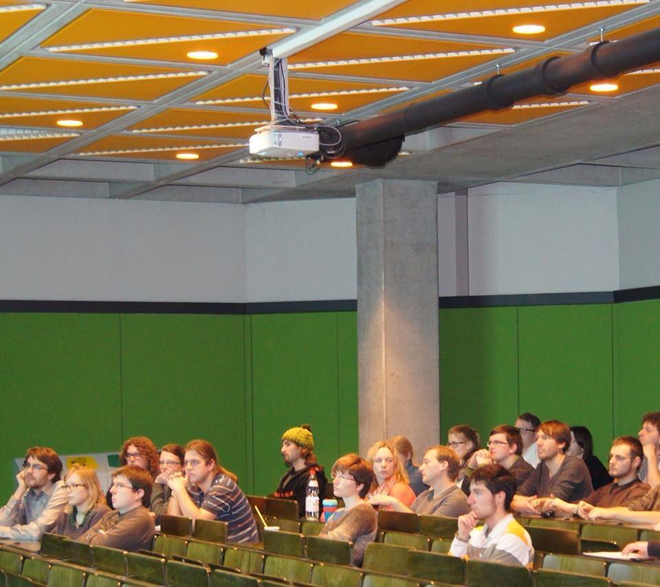 Interessierte Zuhörer beim Vortrag zum Thema Energie