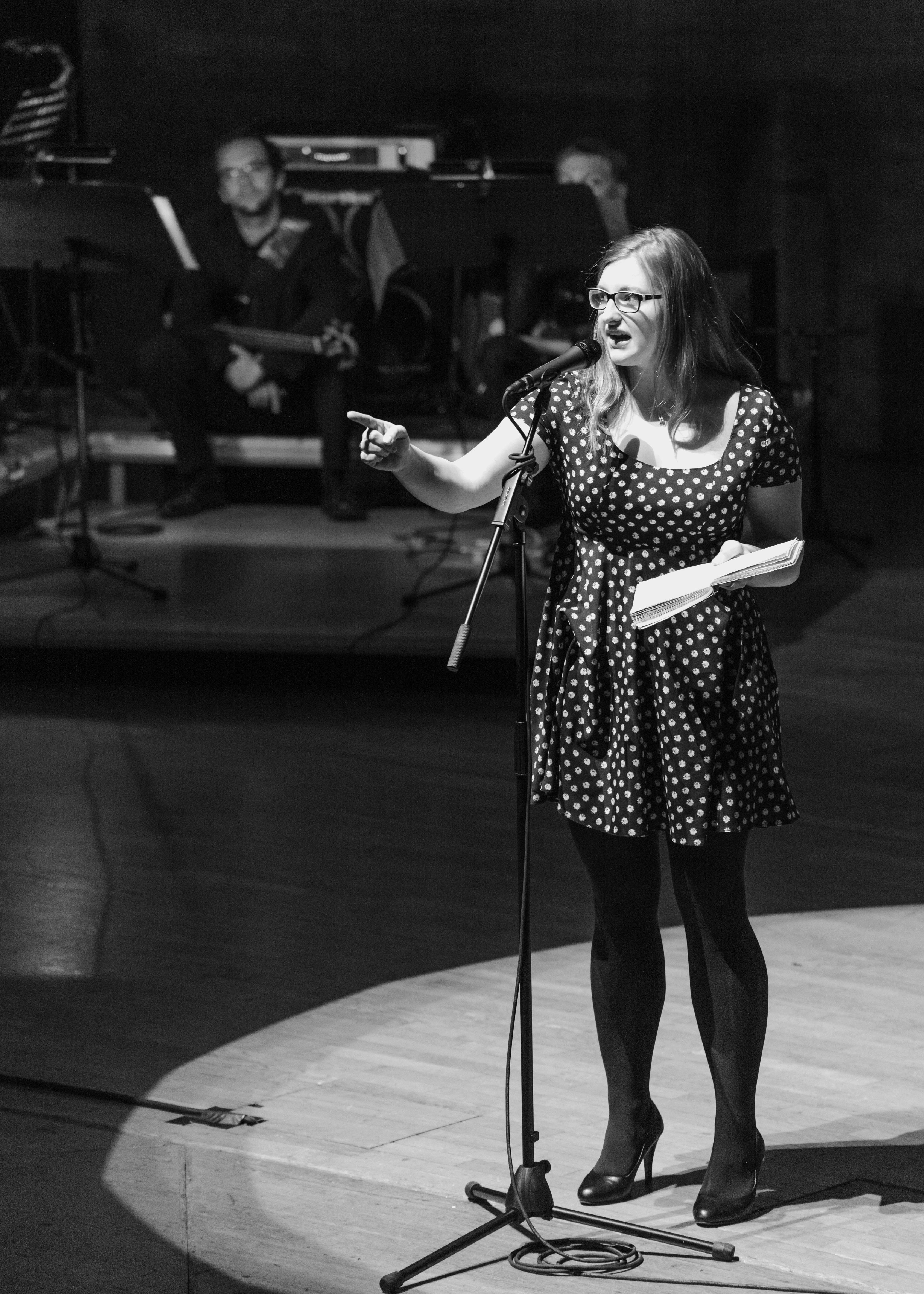 Daniela Plößner ist froh, dass ihr noch kein größeres Missgeschick auf der Bühne passiert ist.