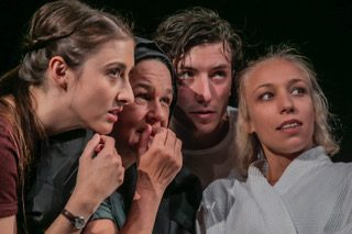 The Elephant in the Room: »Am Königsweg« im Theater Regensburg
