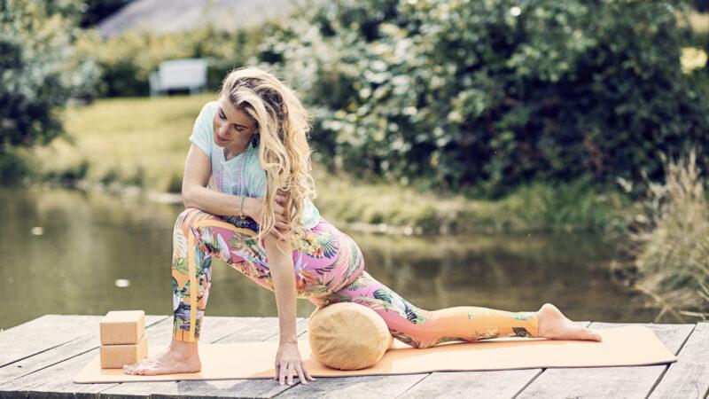 »Was ist Yoga oder was kann Yoga sein?« – Yoga-Lehrerin Helga Baumgartner im Interview